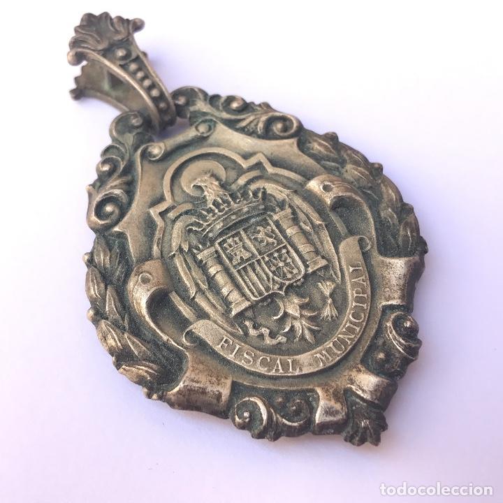 VENERA DE JUEZ MUNICIPAL. ÉPOCA FRANCO. ORIGINAL. (Militar - Medallas Españolas Originales )