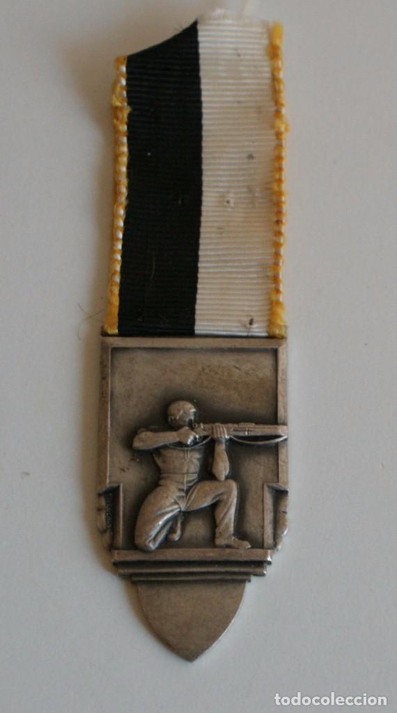 MEDALLA HUGUENIN LE LOCLE (Militar - Medallas Extranjeras Originales)