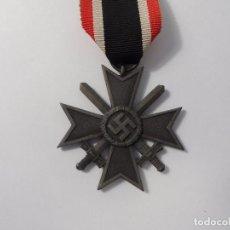 Militaria: CRUZ AL MERITO DE GUERRA CON ESPADAS 2ª CLASE. MARCAJE 7 . AÑOS 1939-45. Lote 97015867