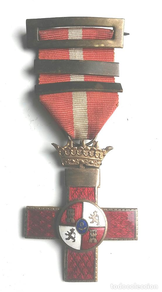 MEDALLA CRUZ DE LA ORDEN AL MERITO MILITAR DISTINTIVO ROJO AÑOS 40 (Militar - Medallas Españolas Originales )