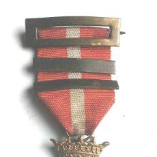 Militaria: MEDALLA CRUZ DE LA ORDEN AL MERITO MILITAR DISTINTIVO ROJO AÑOS 40. Lote 97681915