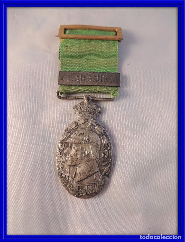 MEDALLA MILITAR ORIGINAL DE PLATA DE GUERRA DE MARRUECOS PASADOR LARACHE (Militar - Medallas Españolas Originales )