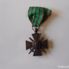 Militaria: CRUZ DE GUERRA FRANCESA, PRIMERA GUERRA MUNDIAL, 1914 1917 REPRODUCCIÓN. Lote 101185959