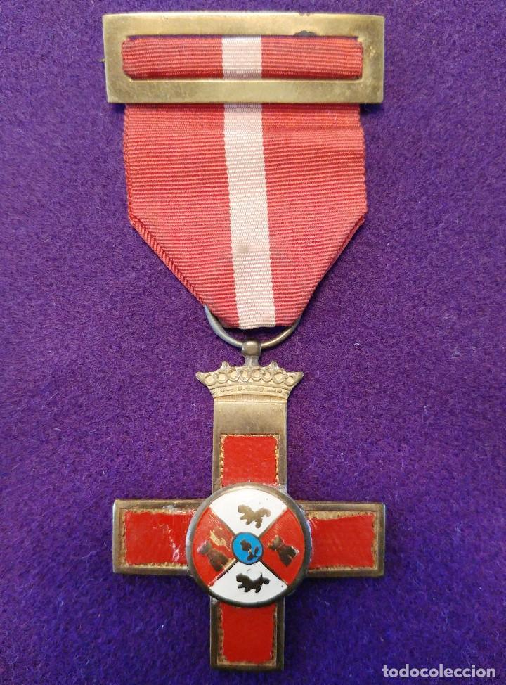 CRUZ AL MÉRITO MILITAR.DISTINTIVO ROJO. 1 CLASE.ORIGINAL.1938-39.GUERRA CIVIL. MEDALLA-CONDECORACION (Militar - Medallas Españolas Originales )