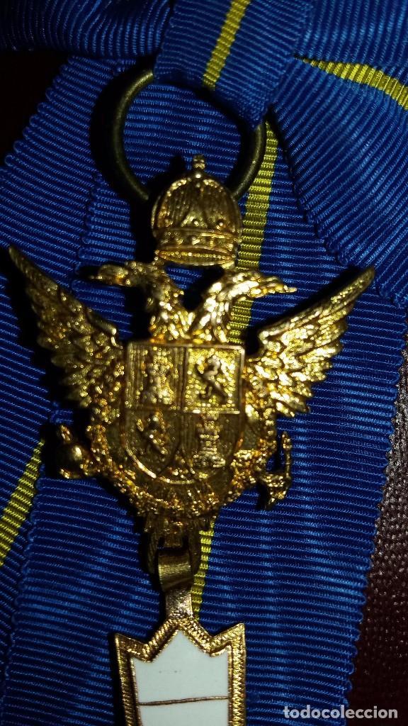 Militaria: CONDECORACION CRUZ ORDEN CABALLEROS Y DAMAS MOZARABES. - Foto 4 - 102812339