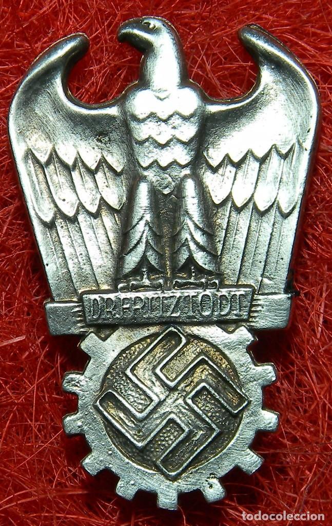 INSIGNIA DR. FRITZ TODT PRIZE. MEDIDAS 65 X 40 MM. (Militar - Reproducciones y Réplicas de Medallas )