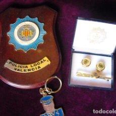 Militaria: POLICIA LOCAL VALENCIA. METOPA, GEMELOS Y SUJETACORBATAS Y LLAVERO.. Lote 103840439