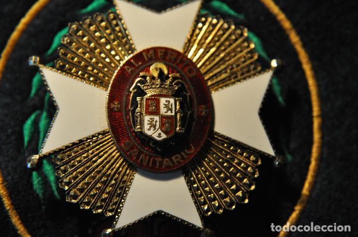 PLACA MERITO SANITARIO EPOCA ANTERIOR FABRICACION DE JOYERIA (Militar - Medallas Españolas Originales )
