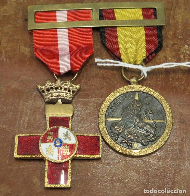 DOBLE PASADOR MEDALLA CRUZ ROJA MERITO MILITAR Y MEDALLA DE LA CAMPAÑA (Militar - Medallas Españolas Originales )
