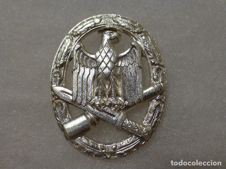 PLACA DE ASALTO GENERAL ALEMANA, VERSIÓN PARA CUMPLIR LA LEY DE 1957 (Militar - Reproducciones y Réplicas de Medallas )