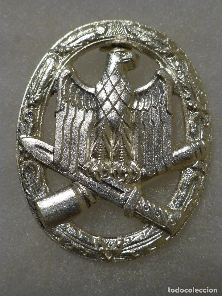 Militaria: Placa de asalto general alemana, versión para cumplir la ley de 1957 - Foto 2 - 106021439