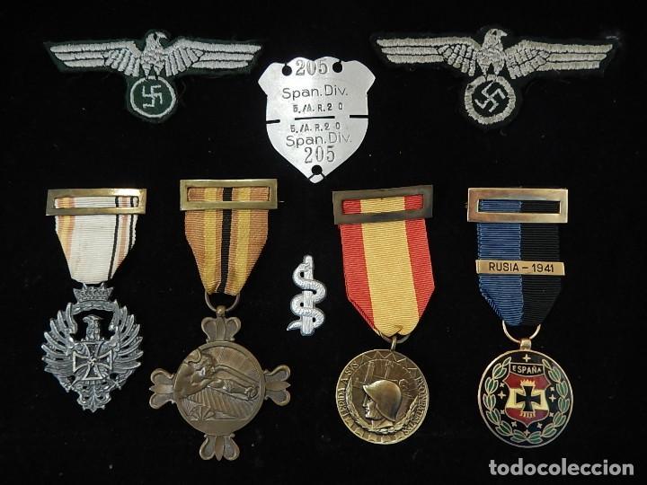 CUADRO CONJUNTO DE RECOMPENSAS, DISTINTIVOS RELACIONADOS CON LA DIVISIÓN AZUL / EJÉRCITO ALEMÁN (2) (Militar - Medallas Españolas Originales )