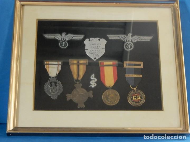 Militaria: Cuadro conjunto de recompensas, distintivos relacionados con la División Azul / Ejército Alemán (2) - Foto 2 - 106644455