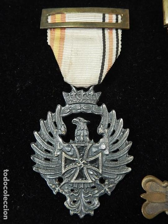 Militaria: Cuadro conjunto de recompensas, distintivos relacionados con la División Azul / Ejército Alemán (2) - Foto 3 - 106644455