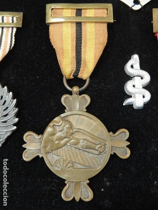 Militaria: Cuadro conjunto de recompensas, distintivos relacionados con la División Azul / Ejército Alemán (2) - Foto 7 - 106644455