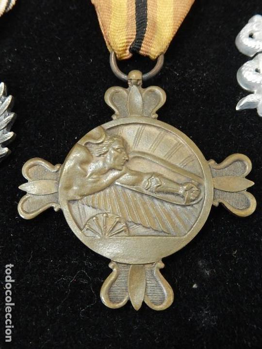Militaria: Cuadro conjunto de recompensas, distintivos relacionados con la División Azul / Ejército Alemán (2) - Foto 8 - 106644455