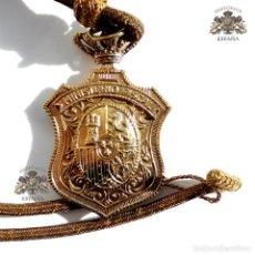 Militaria - MEDALLON MINISTERIO FISCAL ALFONSO XIII EN PLATA DORADA - 109351251