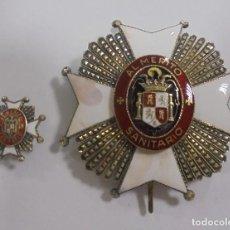 Militaria: PLACA E INSIGNIA OJAL AL MERITO SANITARIO. EPOCA DE FRANCISCO FRANCO. VER FOTOS. Lote 110190511