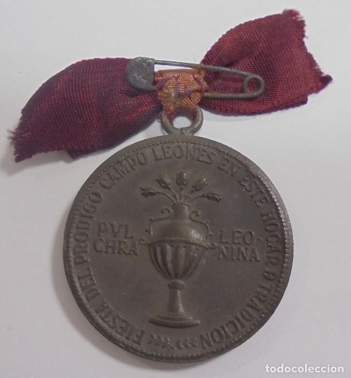 Militaria: MEDALLA. DIA REGIONAL LEONES 1939 EN EL AÑO DE LA VICTORIA. VER - Foto 2 - 110192023