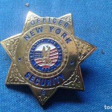 Militaria: PLACA PECHO OFICIAL POLICIA -ESTRELLA - ESTADOS UNIDOS - OFFICER - NEW YORK SECURITY - APROX. 7X7 CM. Lote 112388311