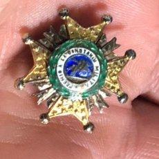 Militaria: INSIGNIA DE SOLAPA PREMIO A LA CONSTANCIA MILITAR ORDEN SAN HERMENEGILDO PLATA ESMALTE FRANCO 23MM. Lote 112793671