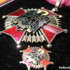 Militaria: ORDEN FRANQUISTA DE CISNEROS. 8,5 CM X 6,5 CM. VILLANUEVA LAISECA. JERARCA FALANGISTA. FALANGE.. Lote 114749787