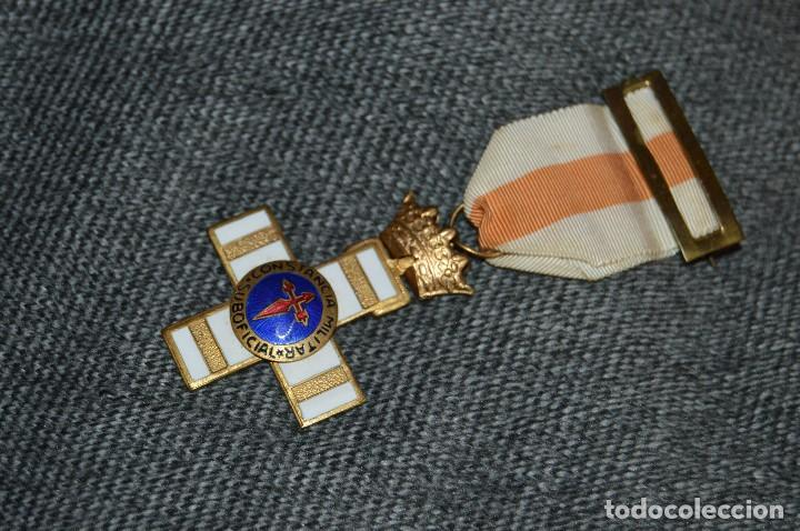 VINTAGE - MEDALLA ORIGINAL - MEDALLA A LA CONSTANCIA MILITAR SUBOFICIAL - BUEN ESTADO - HAZ OFERTA (Militar - Medallas Españolas Originales )