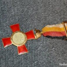 Militaria: VINTAGE - MEDALLA ORIGINAL - MEDALLA DONANTES DE SANGRE PAZ 1939 1964 - BUEN ESTADO - HAZ OFERTA. Lote 117000375