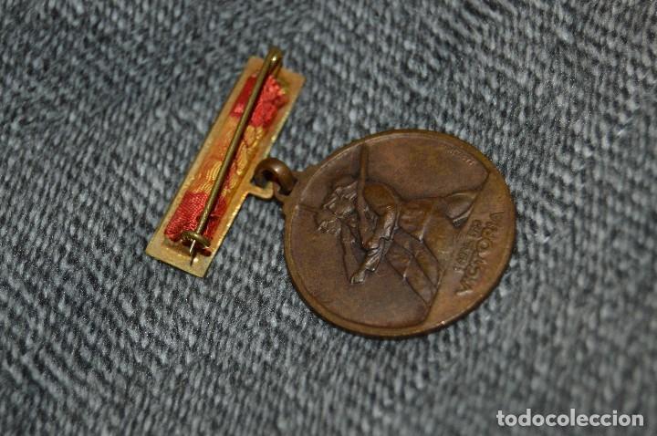 Militaria: VINTAGE - MEDALLA ORIGINAL - MEDALLA ALZAMIENTO Y VICTORIA, ANTIGUO RÉGIMEN - BUEN ESTADO - HAZ OFER - Foto 4 - 117001095