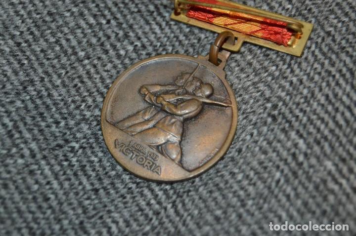 Militaria: VINTAGE - MEDALLA ORIGINAL - MEDALLA ALZAMIENTO Y VICTORIA, ANTIGUO RÉGIMEN - BUEN ESTADO - HAZ OFER - Foto 5 - 117066171