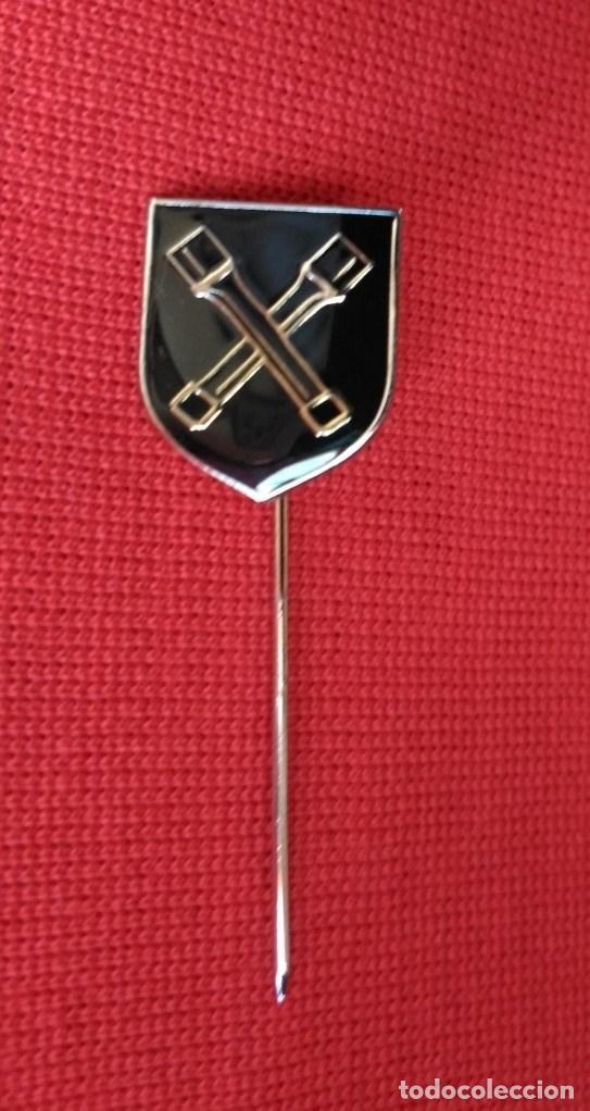ALFILER DE SOLAPA O CORBATA ALEMÁN. DE LA DIVISIÓN WAFFEN-SS DIRLEWANGER. (Militar - Medallas Extranjeras Originales)