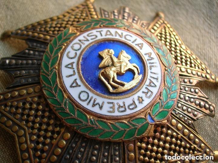 ANTIGUA Y MUY BELLA CRUZ DE SAN HERMENEGILDO. MODELO CALADO. PRECIOSO RELIEVE. (Militar - Medallas Españolas Originales )