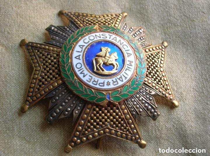 Militaria: ANTIGUA Y MUY BELLA CRUZ DE SAN HERMENEGILDO. MODELO CALADO. PRECIOSO RELIEVE. - Foto 3 - 120986215