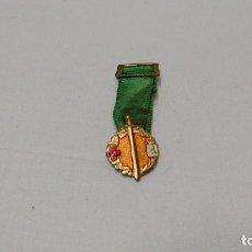 Militaria: MINIATURA DE MEDALLA MILITAR, XXV AÑOS DE PAZ, LEÓN, 1964. Lote 121811215
