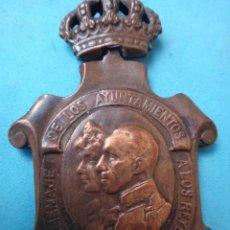 Militaria: MEDALLA MILITAR, HOMENAJE AYUNTAMIENTOS A LOS REYES 23 ENERO 1925, , ORIGINAL , M4. Lote 122265823