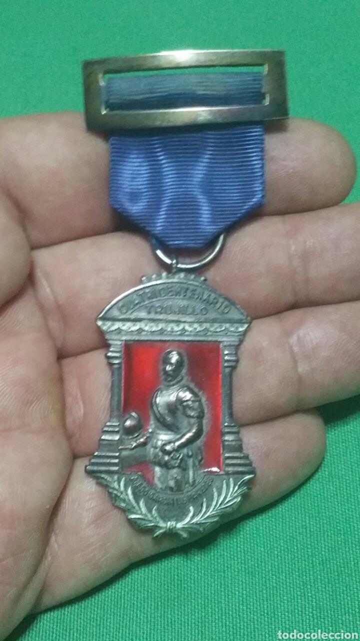 MEDALLA DEL CUATRICENTENARIO DE LA FUNDACIÓN DE TRUJILLO (Militar - Medallas Españolas Originales )