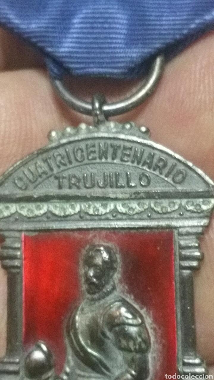 Militaria: Medalla del cuatricentenario de la fundación de trujillo - Foto 2 - 122836676