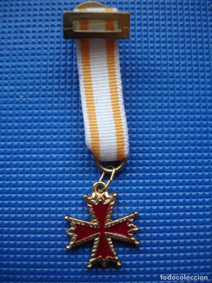 MEDALLA MINIATURA ORDEN DE ISABEL LA CATOLICA (Militar - Reproducciones y Réplicas de Medallas )