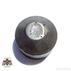 Militaria: TROQUEL DE LA MINIATURA DE LA MEDALLA AL TRABAJO ALFONSO XIII. Lote 125287191