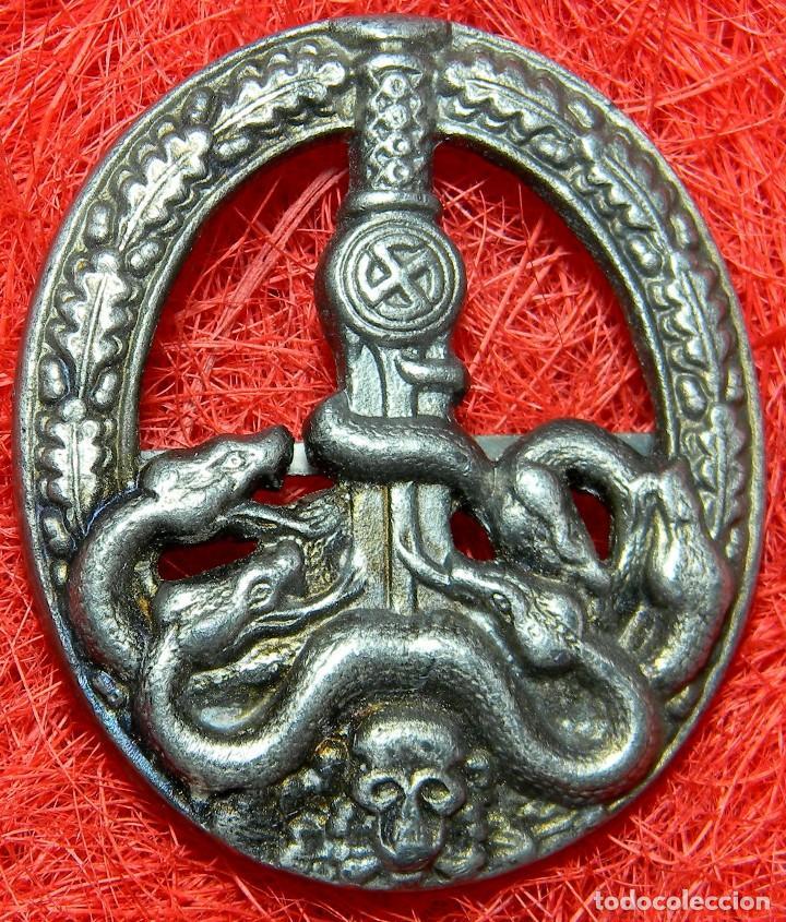 HEER ANTIPARTISANO. BANDENKAMPFABZEICHEN. CATEGORIA PLATA. MEDIDAS 60 X 50 MM - BUNTMETALL (Militar - Reproducciones y Réplicas de Medallas )