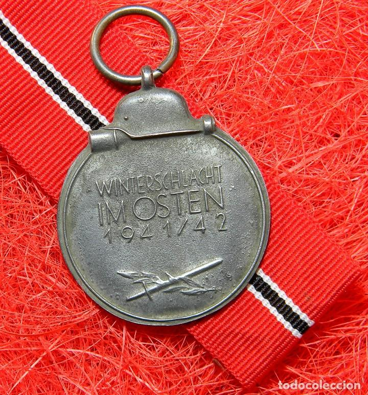 Militaria: Campaña de Invierno. Frente del Este. Winterschlacht im Osten 1941/42 medaille. Diametro: 35 mm - Foto 2 - 161144504
