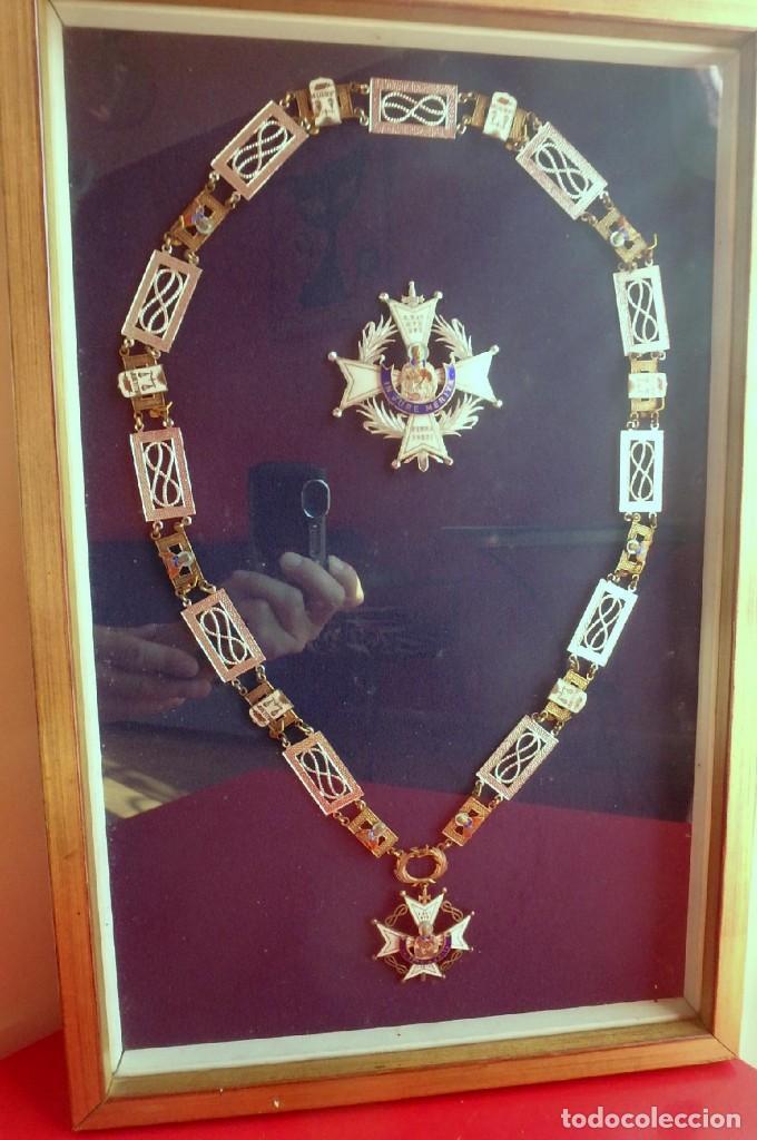 (XJ-180717) COLLAR DE HONOR Y GRAN CRUZ DE LA ORDEN DE SAN RAIMUNDO DE PEÑAFORT , ENMARCADA . (Militar - Medallas Españolas Originales )