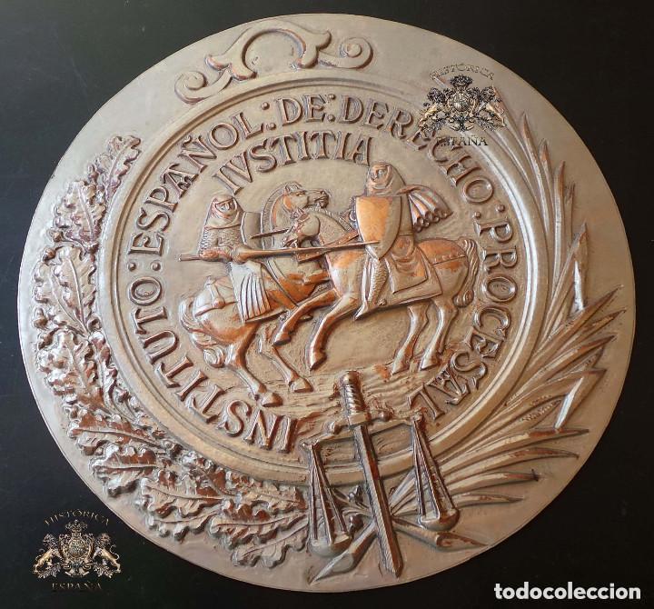 PLANTILLA ORIGINAL PARA HACER EL TROQUEL DEL MEDALLON INSTITUTO ESPAÑOL DE DERECHO .- 21 CM DE ALTO (Militar - Medallas Españolas Originales )