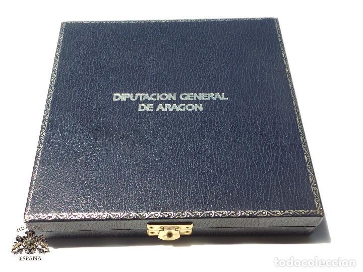 ESTUCHE PARA MEDALLA 15,5 X 15,5 X 3 CM CIRCULO PARA MEDALLA 9 CM DIÁMETRO DIPUTACIÓN GENERAL ARAGÓN (Militar - Cintas de Medallas y Pasadores)