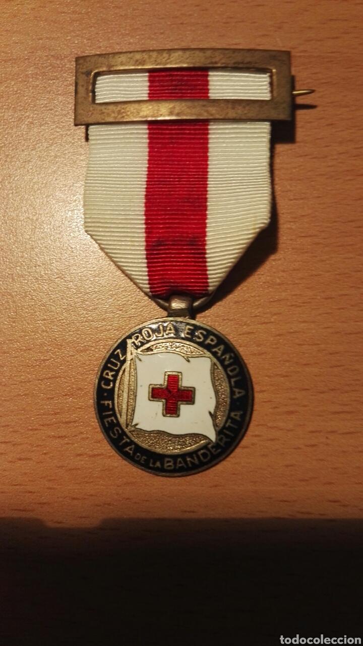 MEDALLA DE LA CRUZ ROJA. FIESTA DE LA BANDERITA. (Militar - Medallas Españolas Originales )