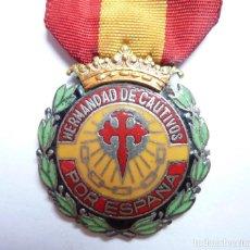 Militaria: MEDALLA DE LA HERMANDAD DE CAUTIVOS POR ESPAÑA - GUERRA CIVIL. Lote 128069639