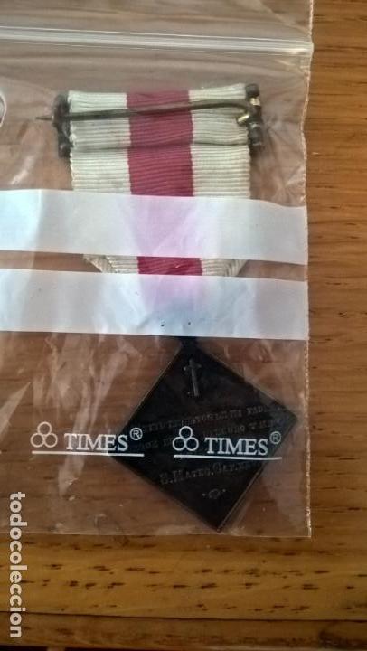 Militaria: Ropero de damas enfermeras. Medalla. Cruz Roja - Foto 2 - 129376203