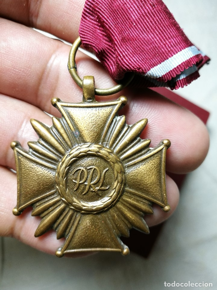 Militaria: Polonia: Medalla de la Cruz del Mérito de la República polaca (3ª clase - categoría de bronce) - Foto 7 - 129521275