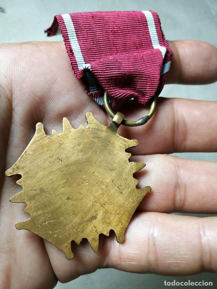Militaria: Polonia: Medalla de la Cruz del Mérito de la República polaca (3ª clase - categoría de bronce) - Foto 8 - 129521275