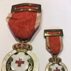 Militaria: MEDALLA Y MINIATURA DE LA CRUZ ROJA ÉPOCA ALFONSO XIII DE LA CASA EUSTAQUIO VILLANUEVA DE BURGOS. Lote 131190068